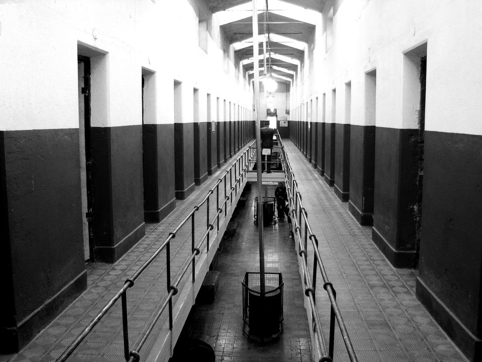 Los Angeles County Jails Try to Solve Overcrowding Problem