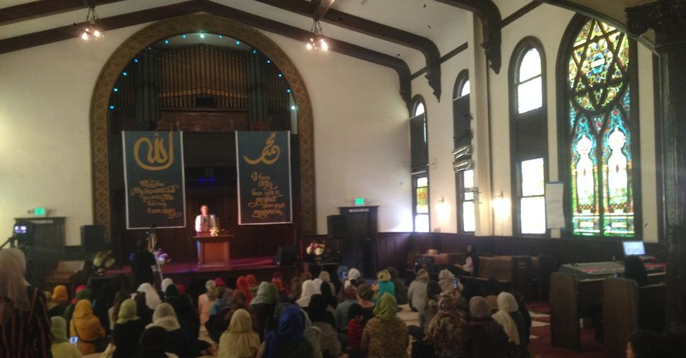 A Women-Only Mosque Congregates in Los Angeles For the First Time
