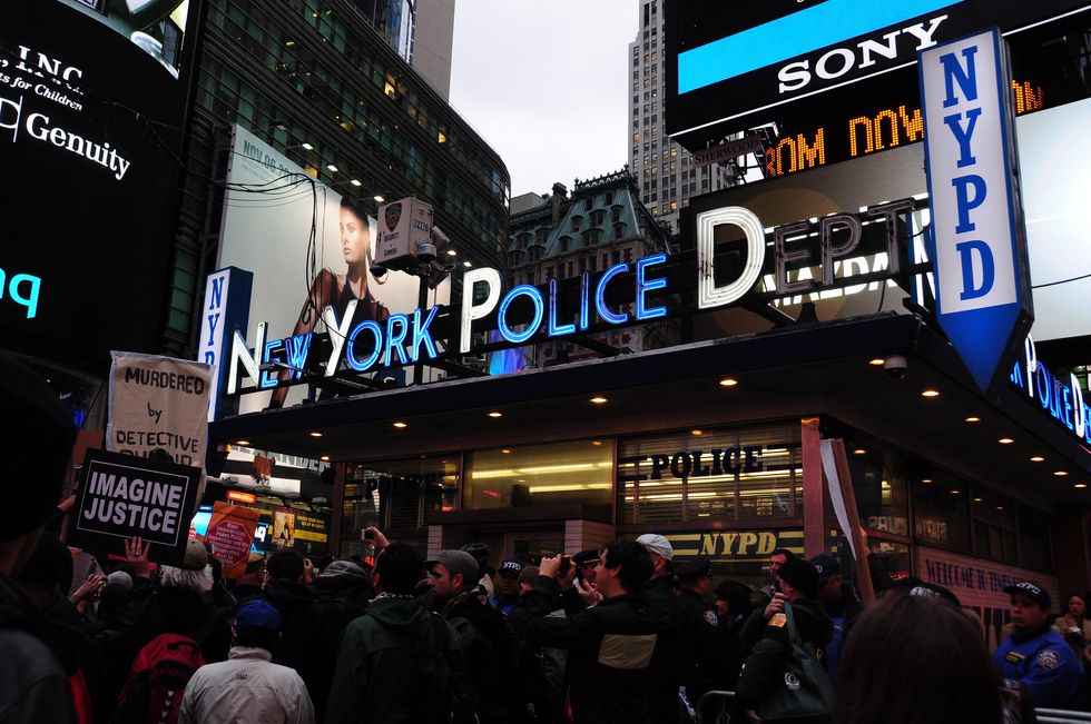 NYPD Permanently Assigns 350 Officers to Patrol the City with Machine Guns (UPDATED)
