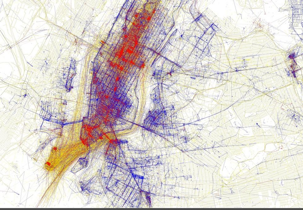 Gorgeous Geotagged Maps Show How Locals And Tourists Take Different Pictures Around The World
