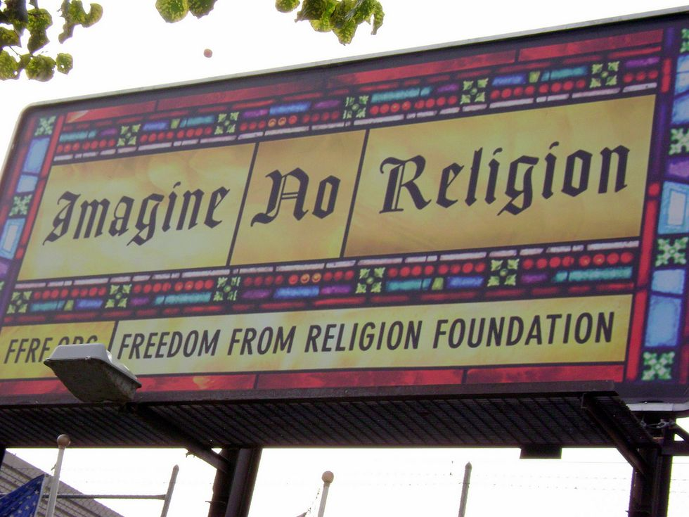 """Judge Rules Town Must Allow""""Atheist Reason Station"""" in City Hall"""