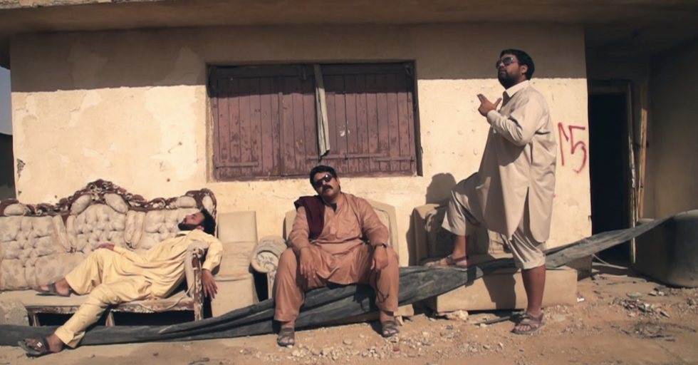 Saudi Comedians Rap About Migrant Rights