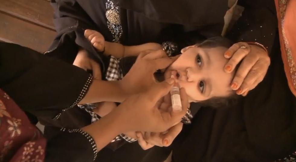 Peshawar Police Arrest Anti-Vaxxer Parents
