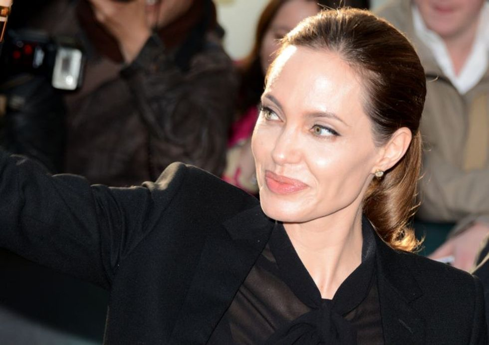 Angelina Jolie Discusses Removal of Her Ovaries and Fallopian Tubes