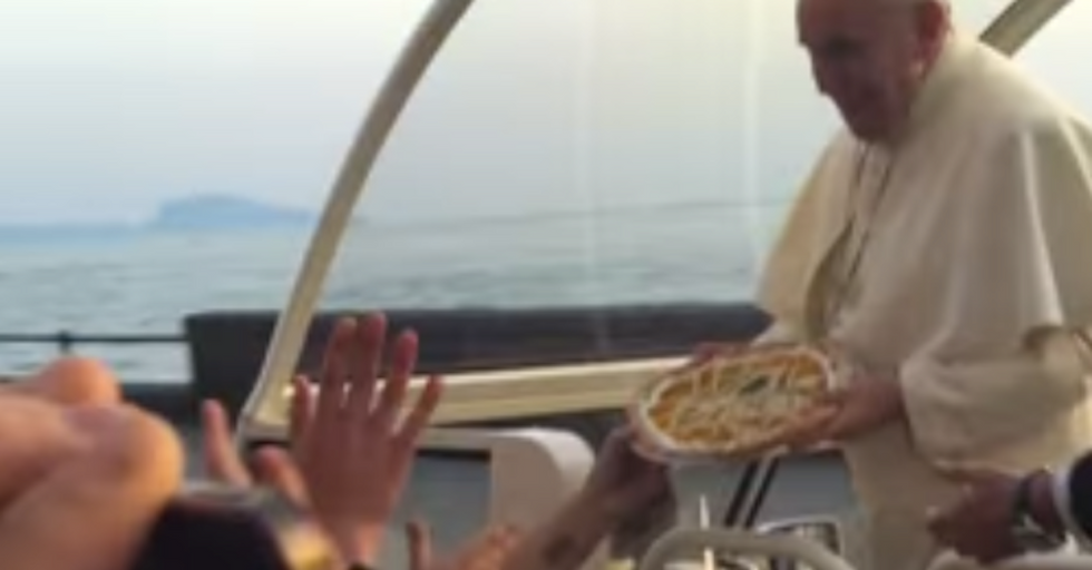Pope Gets Pie Delivery in His Popemobile