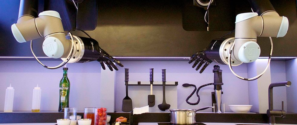 Robot Chef Makes Bisque Like a Pro