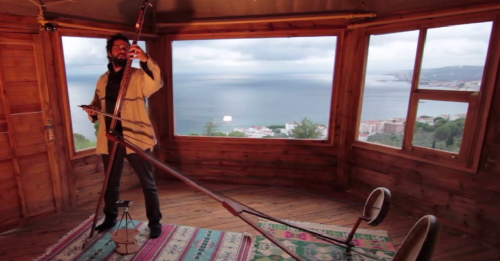 TheYaybahar: A New Instrument That Sounds Out of this World.