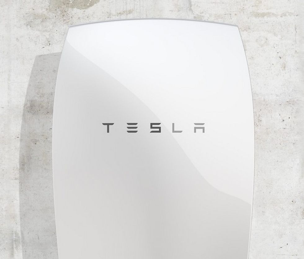 Tesla Unveils Revolutionary Solar Battery For Homes
