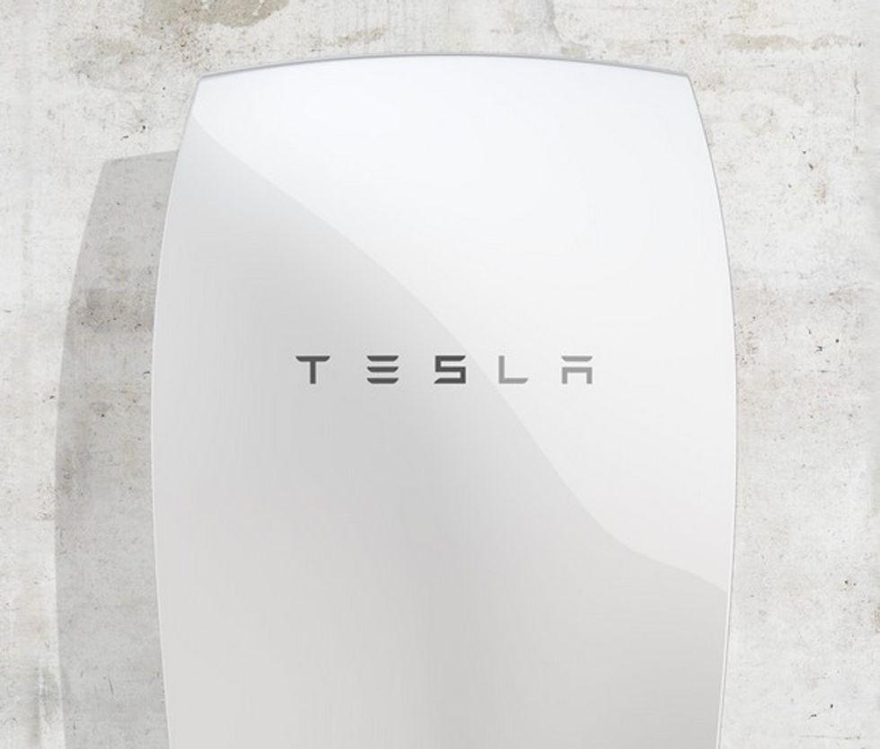 Tesla Unveils Revolutionary Solar Battery For Homes