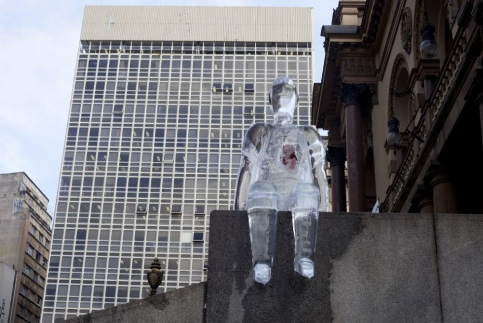 Brazilian Ice Sculptures Encourage Organ Donation via Great Design