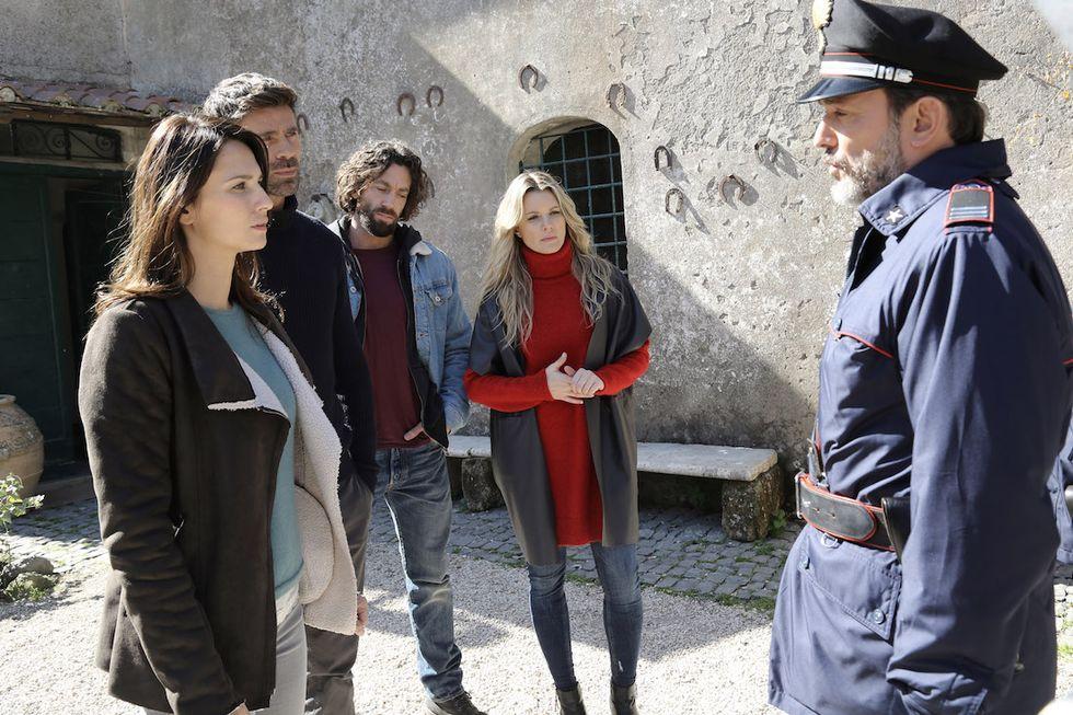 Le tre Rose di Eva 4 Anna Safroncik (Aurora Taviani), Fabio Fulco (Fabio Astori), Giulio Pampiglione (Antonio Mancini) e Licia Nunez (Elena Monteforte)