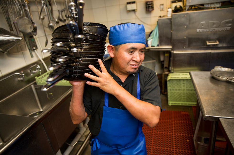 If You Want To Know What Life Is Like For Dishwashers, Ask Them
