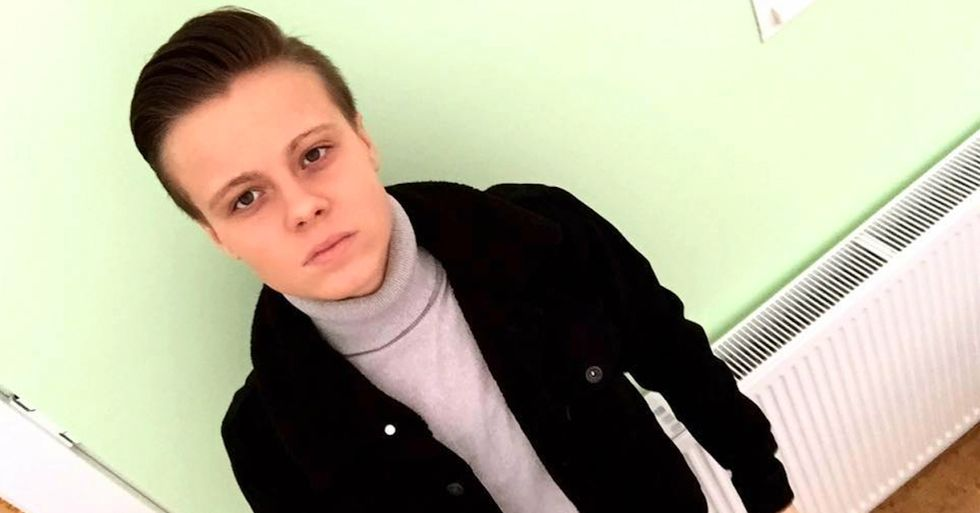 Lesbian Teen Booted From UK McDonald's After Using Women's Bathroom