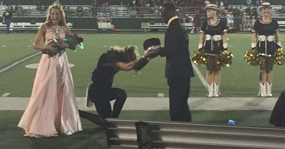 High School Quarterback Gives Homecoming Crown To Friend With Cerebral Palsy
