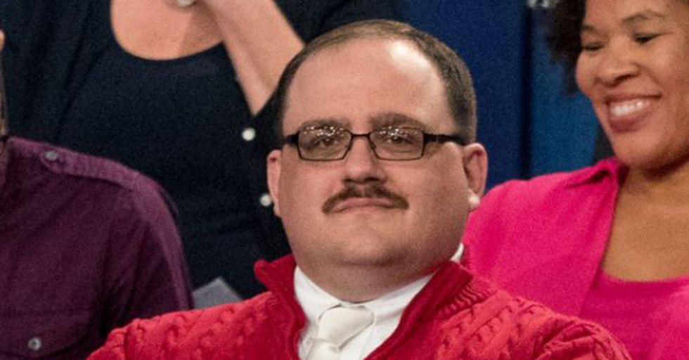 Red Sox Pitcher Left Two Playoff Tickets For Presidential Debate Superstar Ken Bone