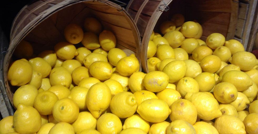 A Simple Photo Of Lemons Is Going Viral To Educate Women On Breast Cancer Symptoms