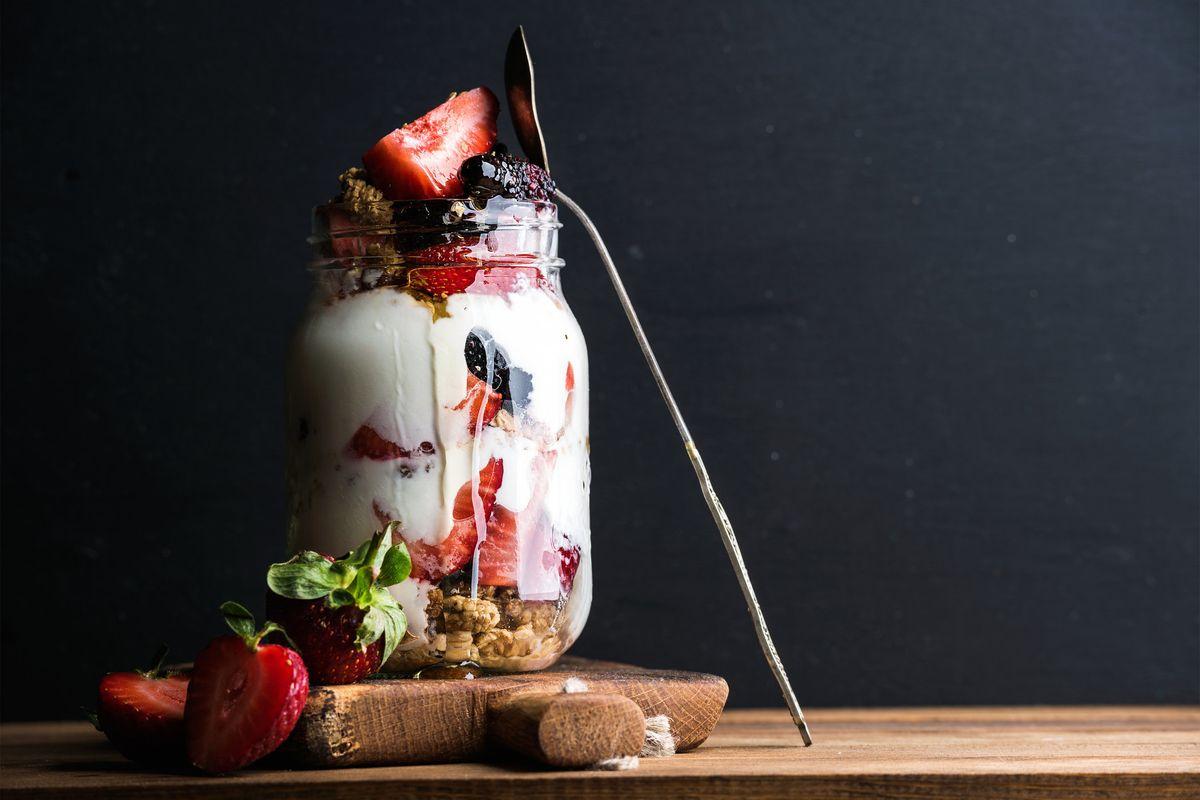Yogurt per tutti. Come ridurre grassi e calorie nello spuntino ideale dell'estate