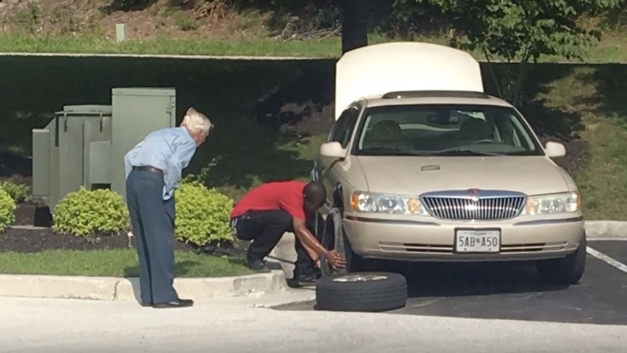 Chick-fil-A manager changes flat tire for 96-year-old World War II veteran: 'God bless your heart'