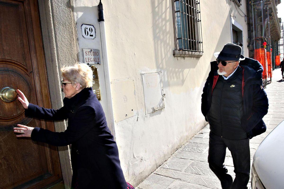 Dagostino contraddice i Renzi. E le consulenze non saltano fuori
