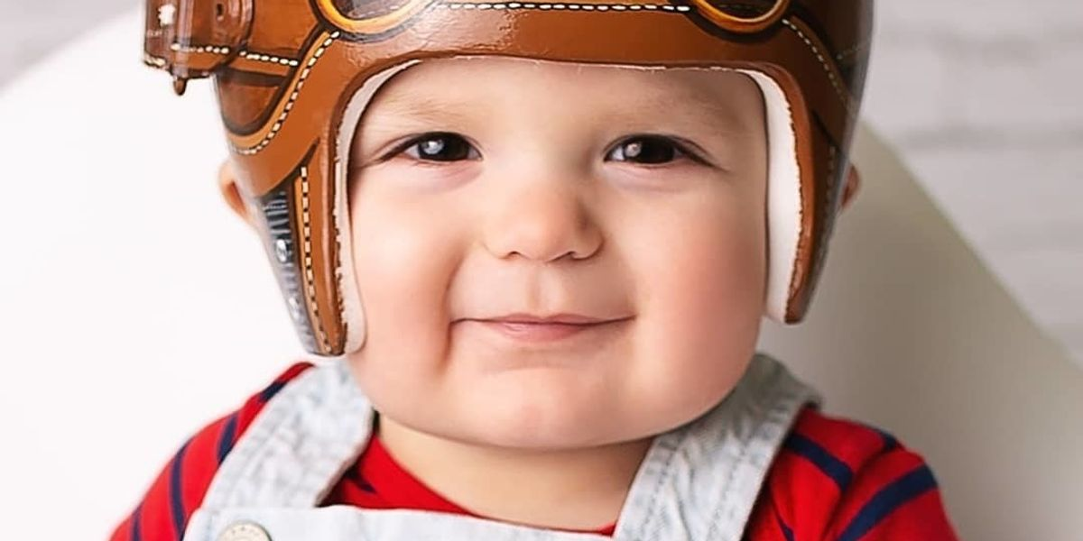 What went viral this week: Moms helping moms, gentle C-sections + beautiful baby helmets 😍
