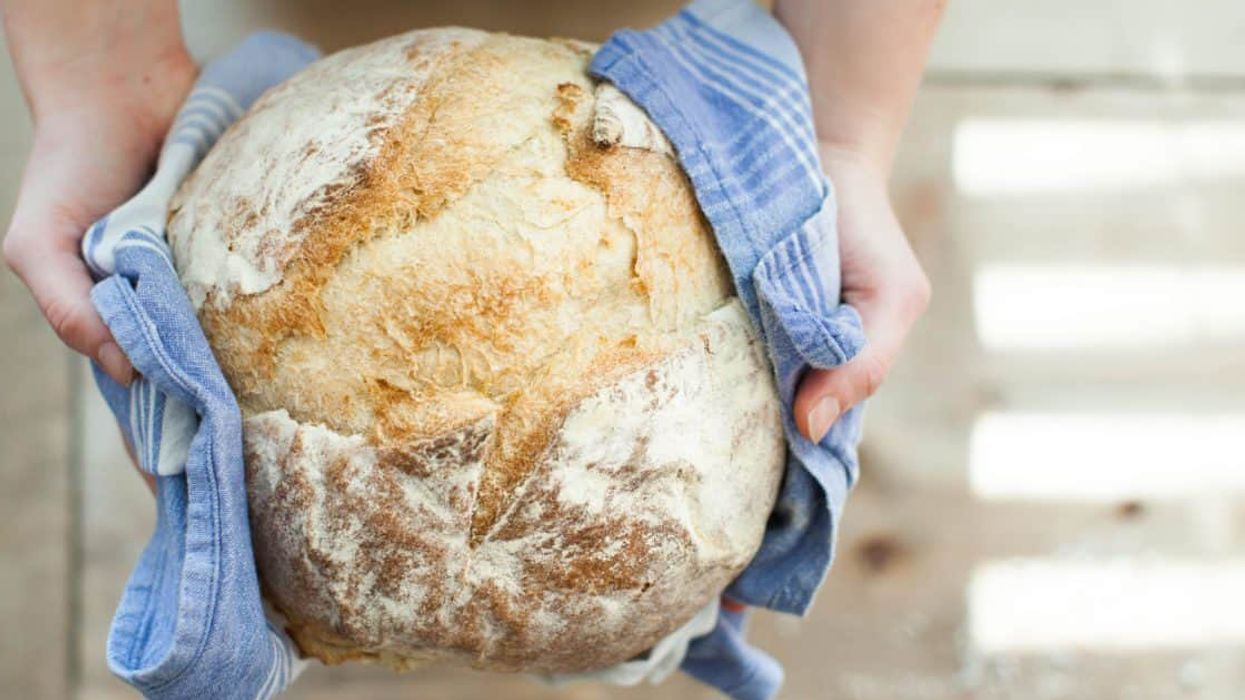 What's the Difference Between Bleached and Unbleached Flour?
