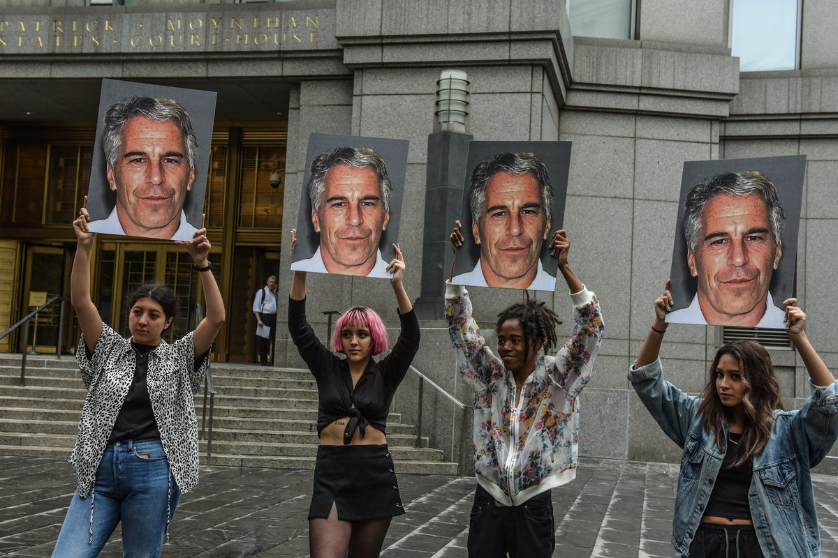 'Surviving R. Kelly' Filmmakers to Make 'Surviving Jeffrey Epstein'