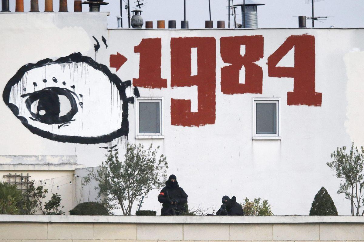 L'Ue secondo Onfray: «Uno Stato totalitario degno di Orwell»