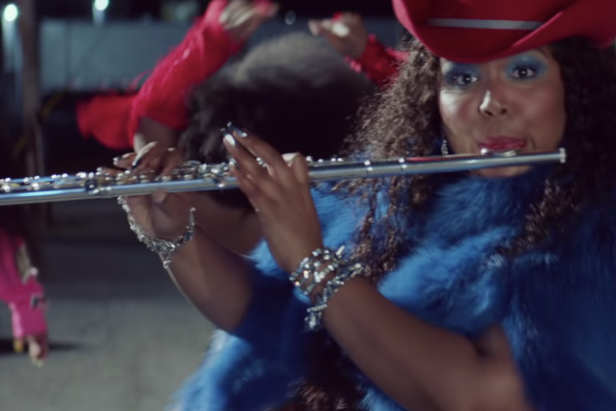 Lizzo's 'Tempo' Video Has Diners, Drive-Ins and Ass Claps