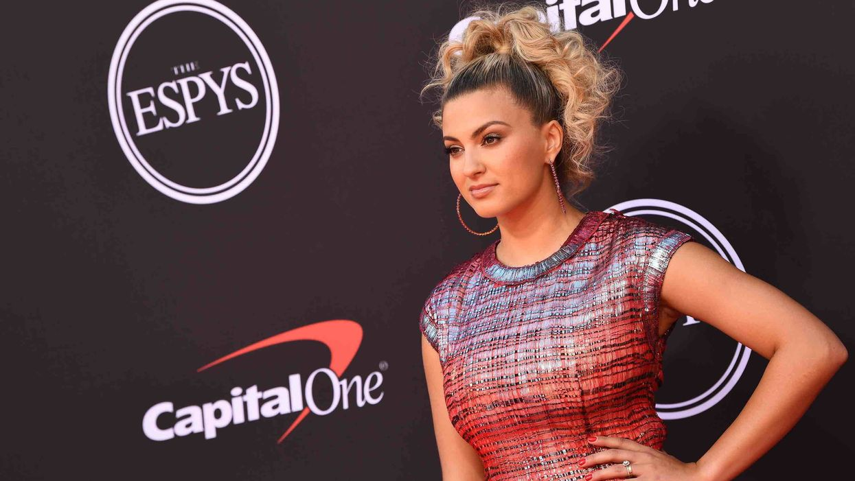 Grammy-winning singer Tori Kelly heaps praise on the Bible, says reading it daily is 'crucial'