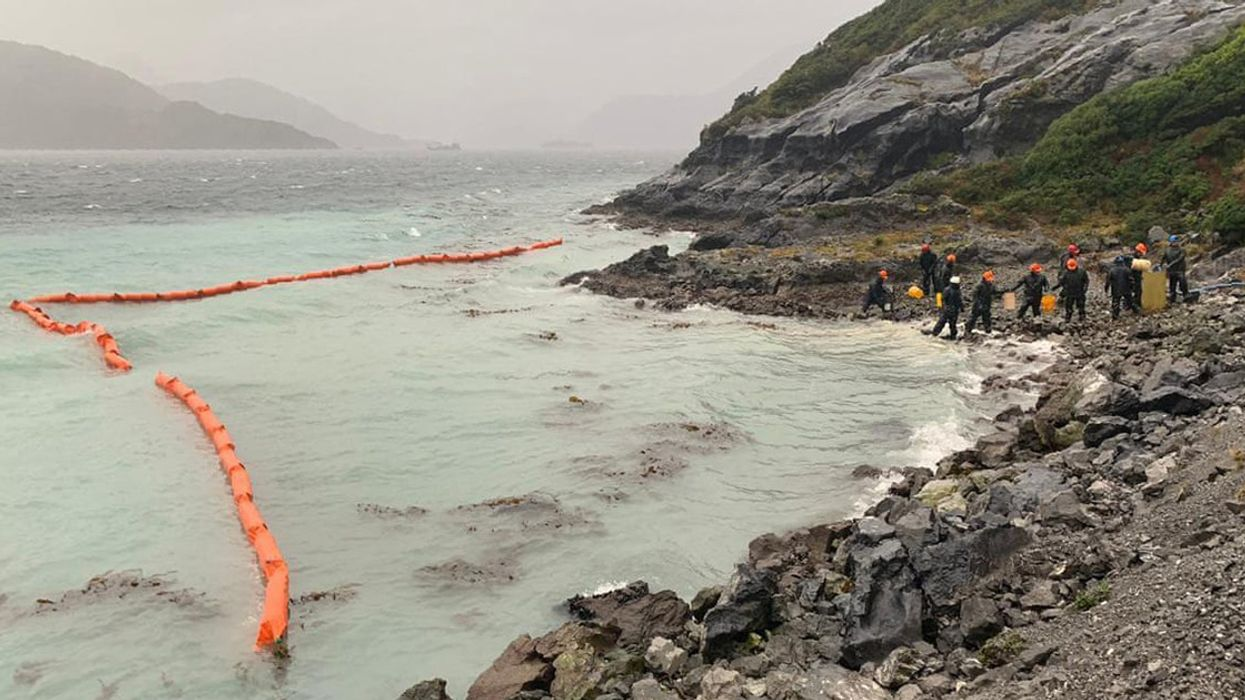 10,000 Gallons of Oil Spills Into Chile's Pristine Patagonia