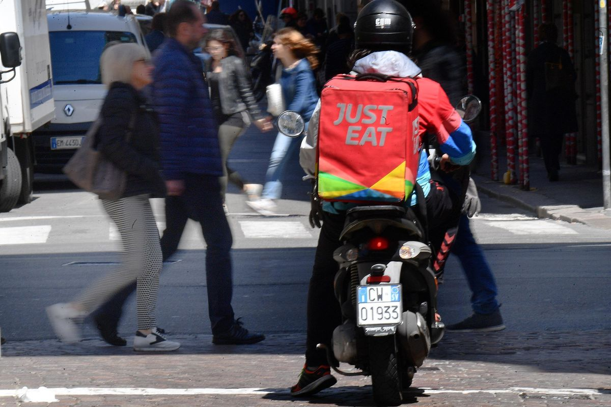 Le app dei rider da pochi euro valgono 5 miliardi