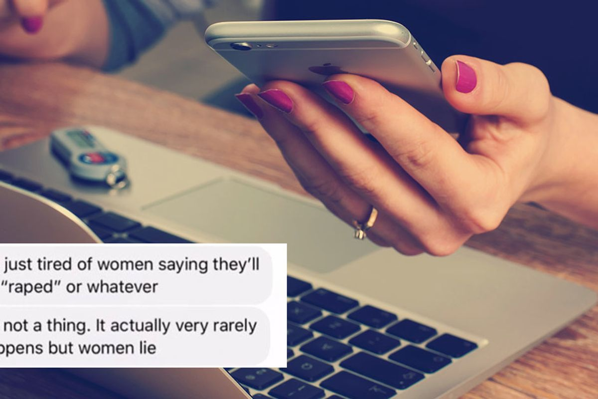 Woman tries selling her phone to a 'nice guy,' quickly realizes he's a mansplaining creep
