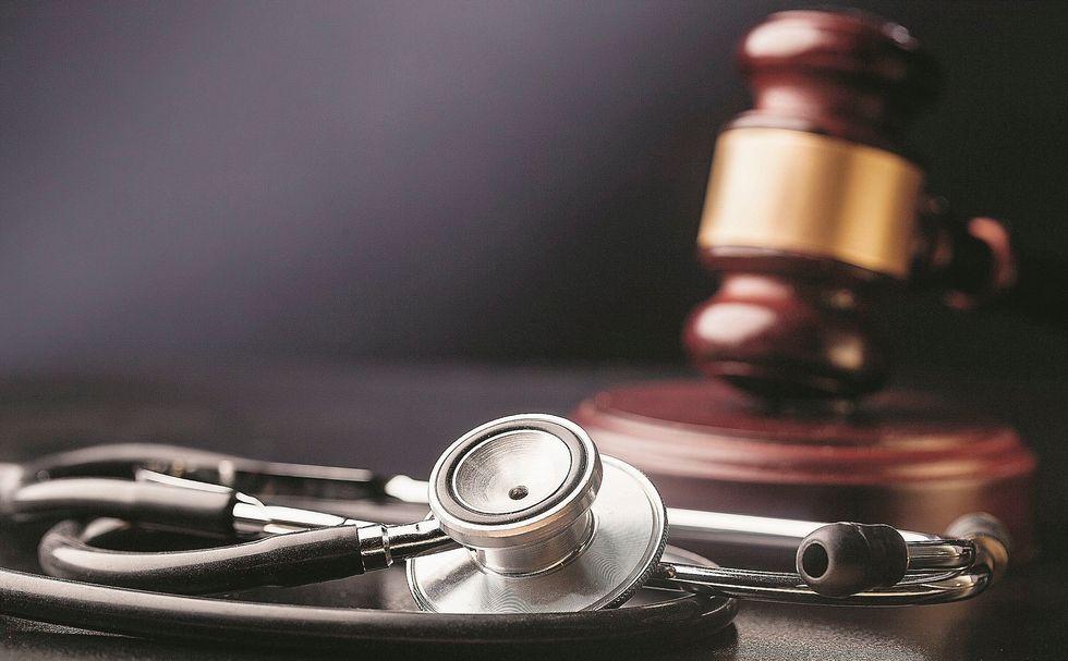 Sanità: il business delle cause ai medici