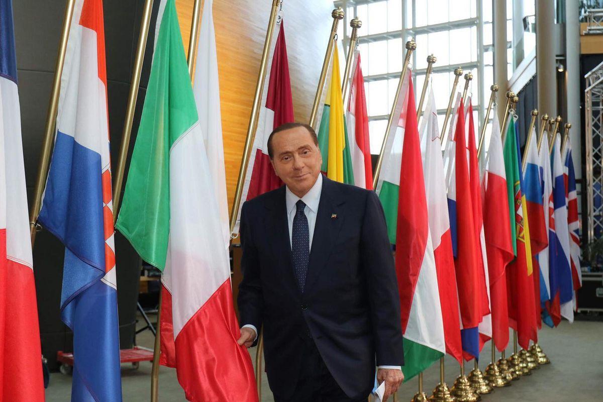 Adesso Berlusconi ritorna centrale