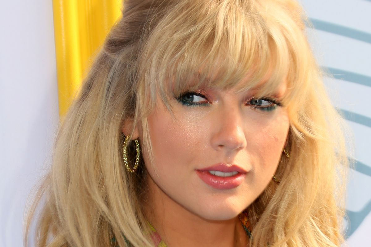 Taylor Swift Responds to the 'Drunk Taylor' Memes
