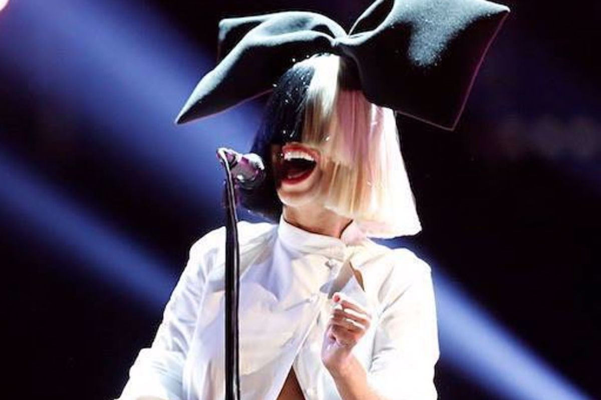 After someone tried selling her nude photos, Sia shared them on Twitter