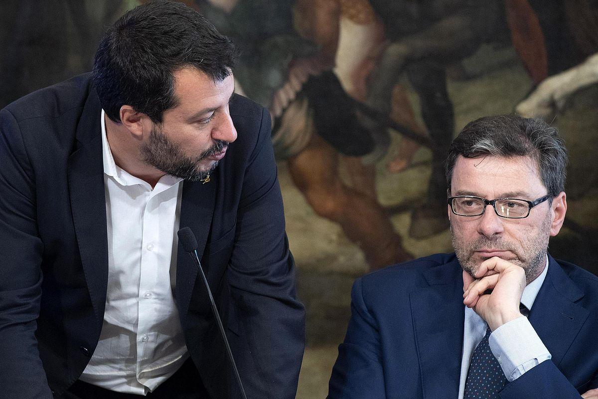 Giorgetti punzecchia: «Salvini ha deciso da solo sulla sfiducia»