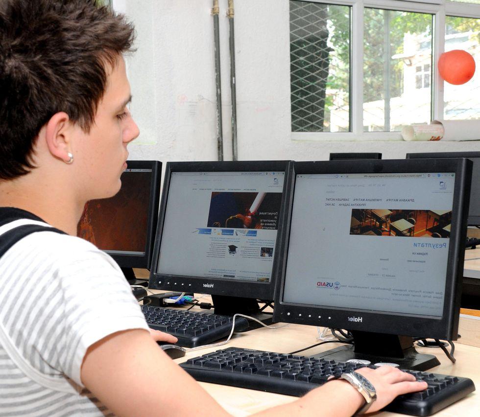 Virtual Schooling: Is It Effective?