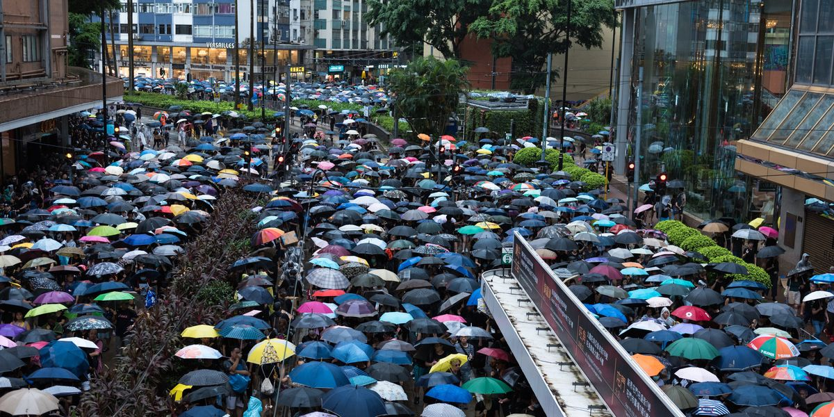Hundreds of Thousands of Protesters March for Hong Kong