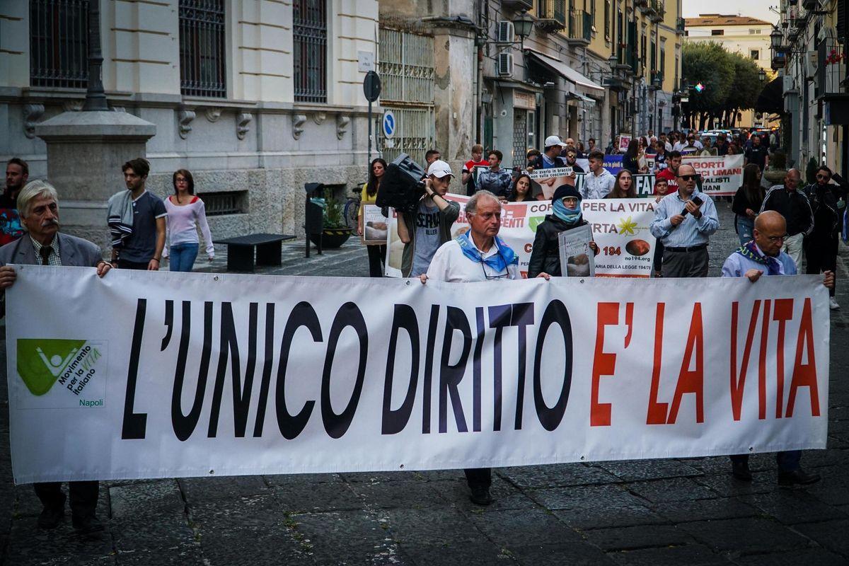 Aborto senza limiti: San Marino propone la legge più orrenda