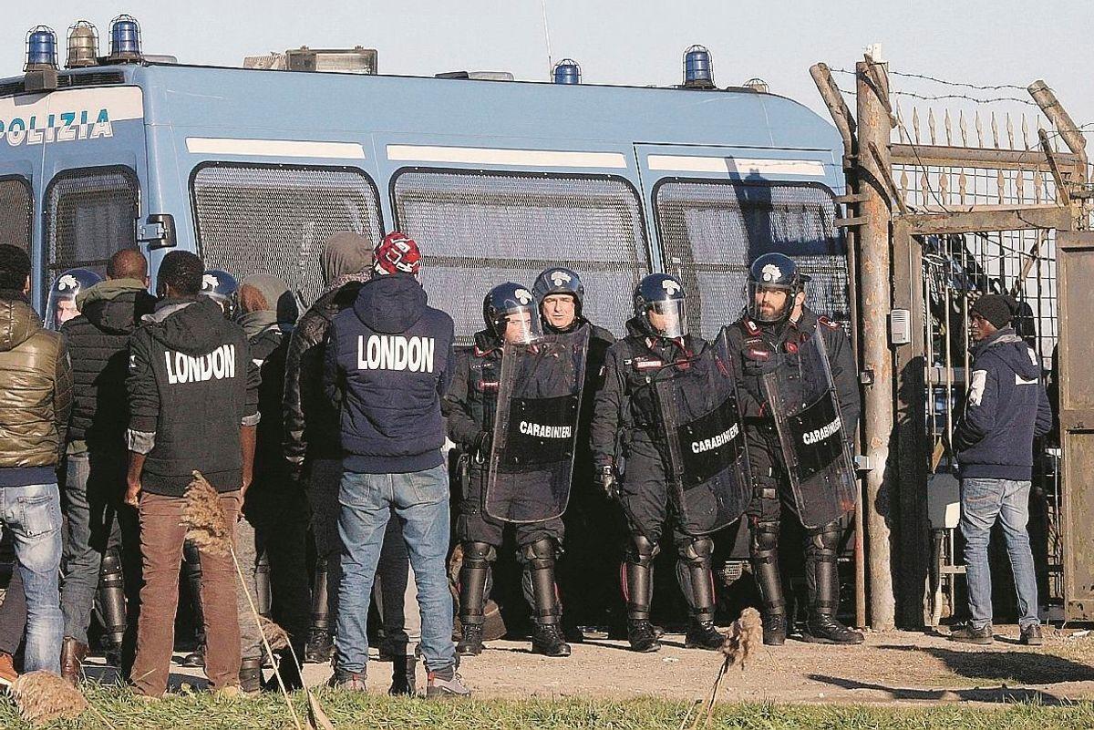 Migranti, in gara la ditta accusata di truffa