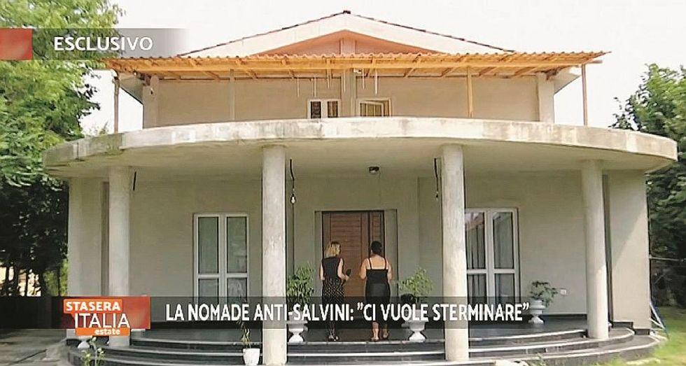 La «zingaraccia» nel villone abusivo: «Sono ai domiciliari: rubavo di tutto»