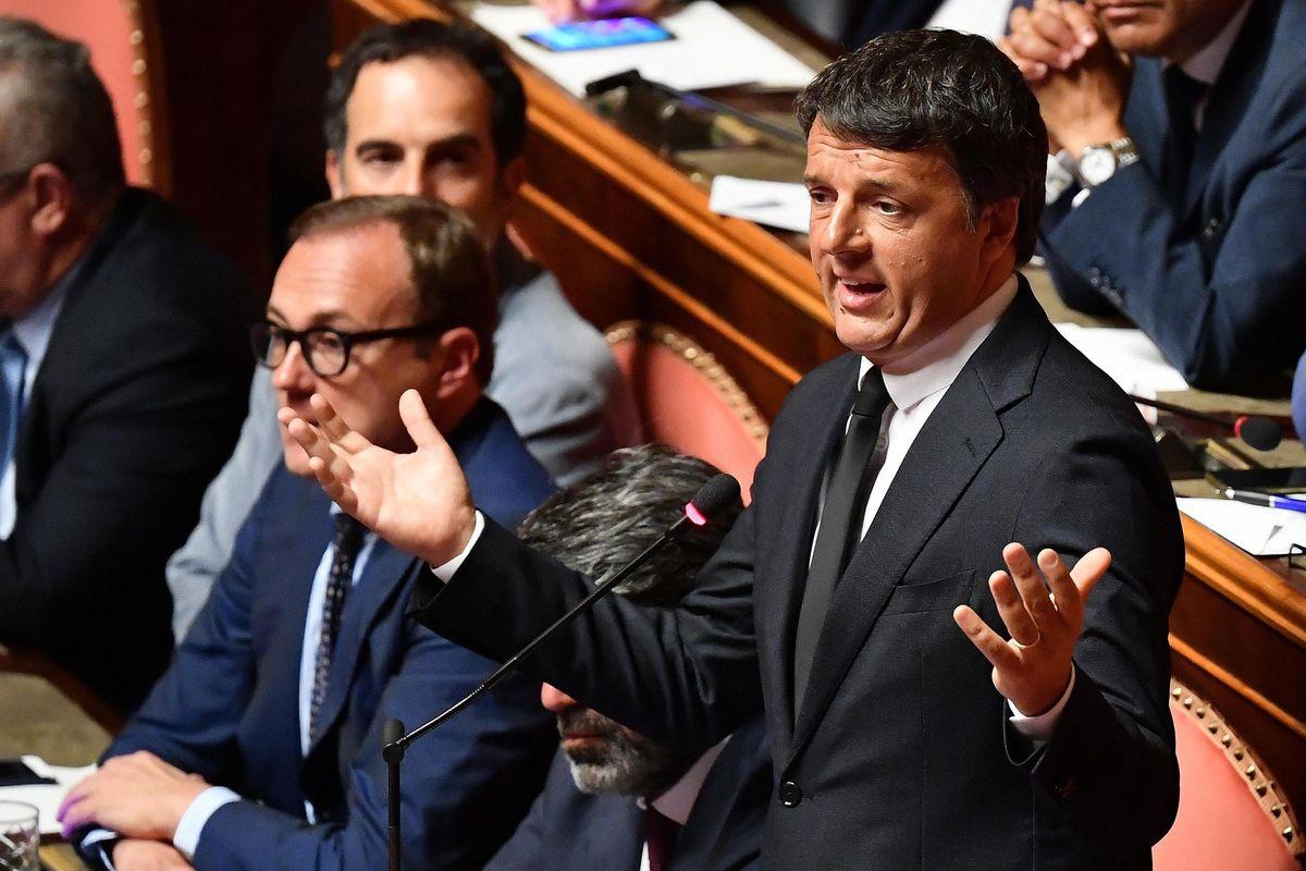 Dietro agli applausi la lotta con Renzi
