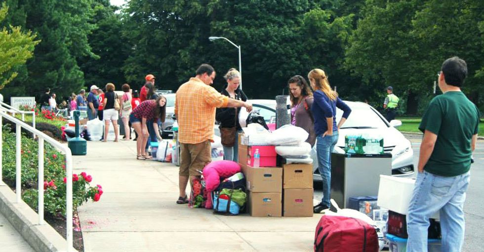 https://blog.suny.edu/2015/08/what-not-to-bring-when-moving-to-college/