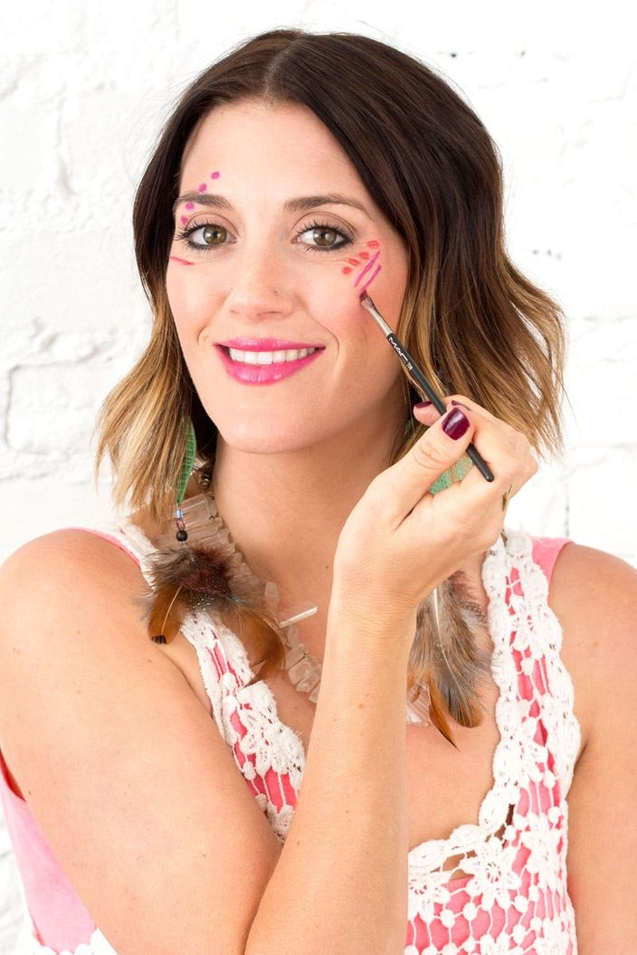 4 Easy Ways To Diy Festival Face Paint In Just 3 Steps Brit Co