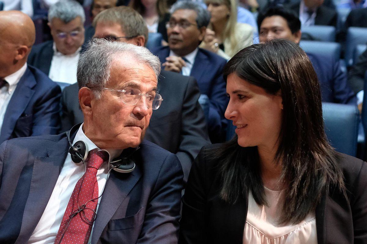 Prodi vuole un governo di fantocci per obbedire meglio all'Europa