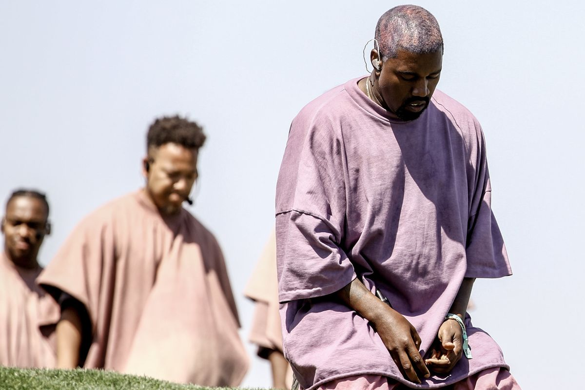 Kanye Honors Dayton Victims With Sunday Service