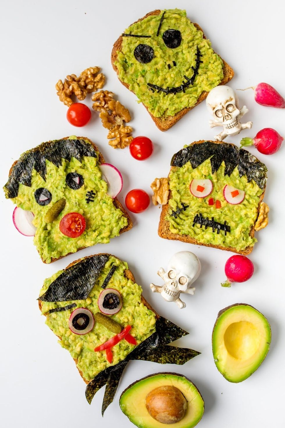28 Easy Halloween Recipes Guaranteed To Freak Out Your Guests Brit Co