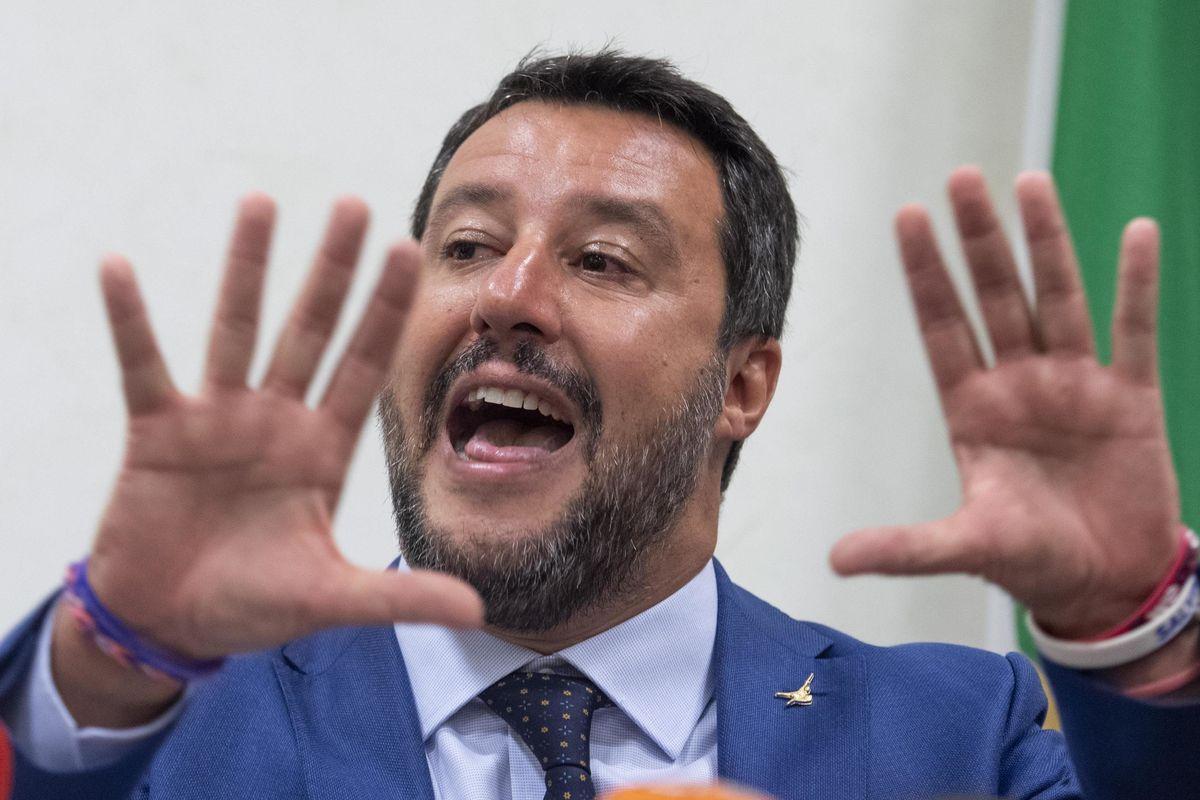 Salvini è a caccia: «Potrete scappare per qualche mese, poi arriverà il voto»