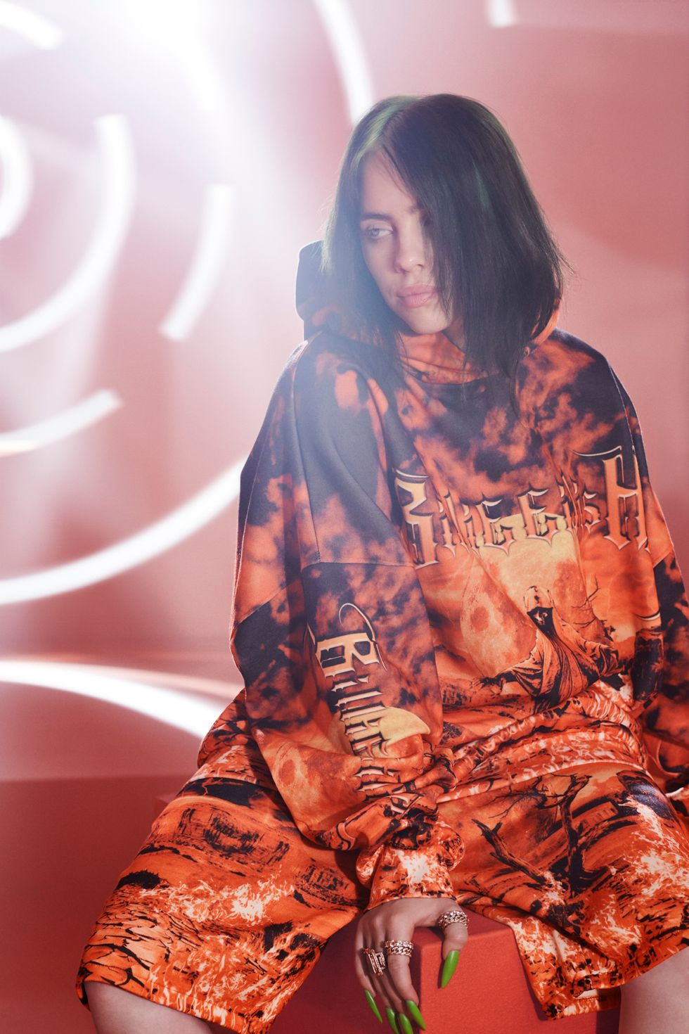 bershka billie eilish coleccion fotos video sudadera pantalon naranja